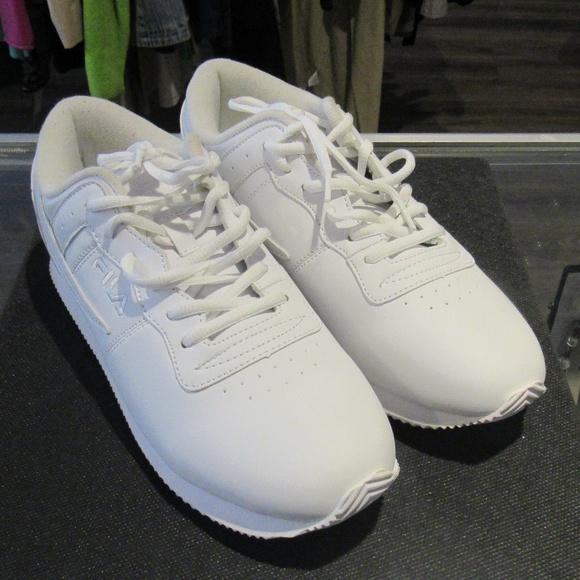 39225fa4f091 Fila Shoes - Women FILA Shoes!